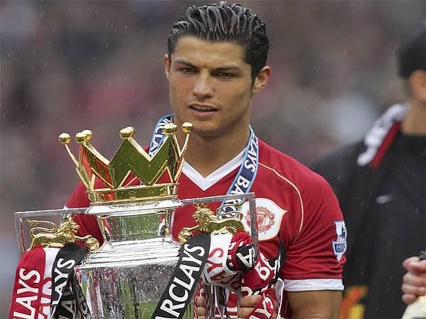 Liverpool đã có thể mua Ronaldo trước M.U