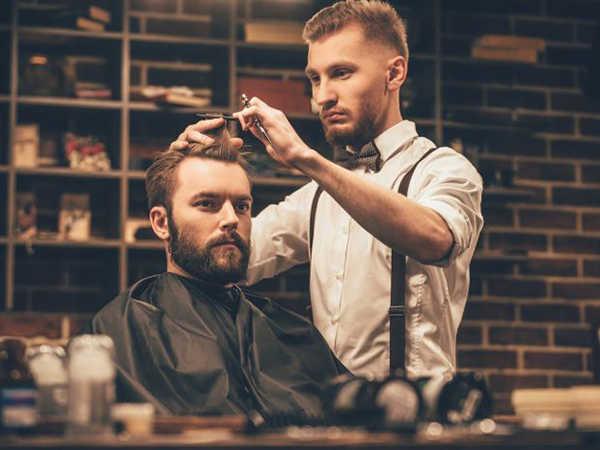 Mơ cắt tóc mang đến thông điệp gì, đánh con số nào dễ trúng?