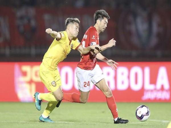 Bóng đá Việt Nam 28/1: Bầu Đức khen ngợi Lee Nguyễn