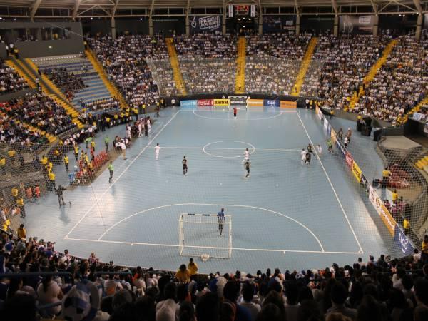 Bóng đá trong nhà là gì? Tìm hiểu về luật thi đấu của Futsal